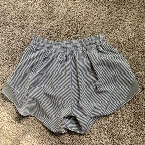 Lululemon Hotty Hot Shorts 4'